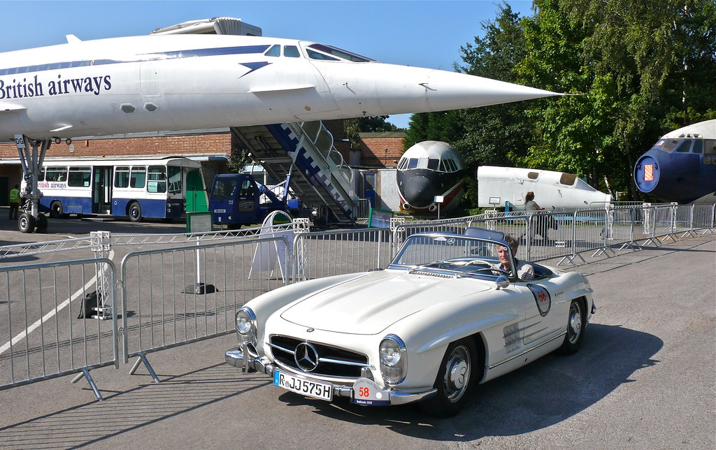 Mercedes-Benz 300SL Roadster and British Airways Concord