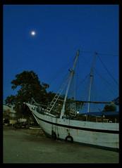 Pinisi (Giuseppe Suaria) Tags: canon indonesia sailing ship south nave navi sulawesi schooner lamba indonesian pelabuhan bugis plm berth celebes g11 makassar pinisi phinisi goletta paotere golette perahulayarmotor