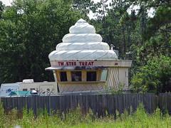 Twistee Treat in Storage (Muskrat5489) Tags: abandoned architecture florida cone landmark storage icecream americana fl unusual roadside pasco pascocounty twisteetreat noveltyarchitecture