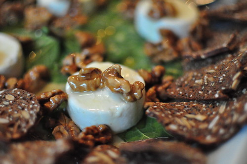 goat cheese with honey and walnuts