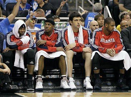 20110426-josh-smith-and-bench