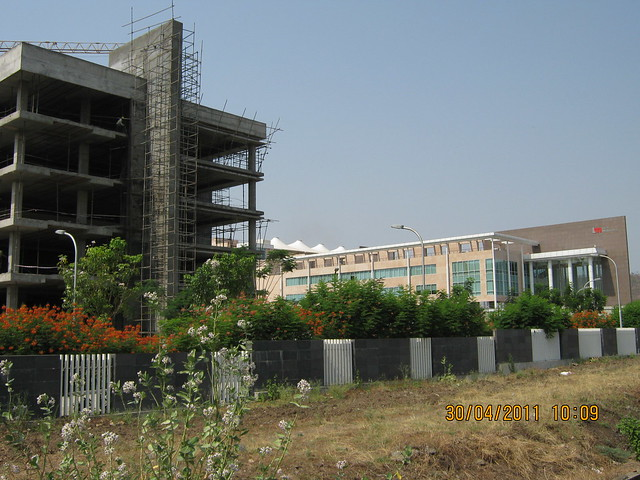 Under-construction new wing of Tech-Mahindra IT Park, total capacity 14,000, neighbor of Megapolis Hinjewadi Phase 3, Pune 411 057