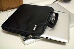 iPad2 64GB 3G+Wi-Fi 用にIncaseのケース買った。