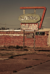 Lasso Motel - Route 66 (TooMuchFire) Tags: signs newmexico route66 neon tucumcari neonsigns motels lightroom oldsigns motherroad vintageneonsigns vintagesignage oldmotels canon30d motelsigns lassomotel route66motels oldneonsigns route66signs route66newmexico toomuchfire newmexicosigns