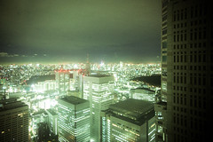 105 (JonathanPuntervold) Tags: japan night skyscraper canon tokyo shinjuku jonathan mark photoblog ii 5d 東京 20mm voigtländer kenzo urbanlandscape tocho 都庁 f35 tange colorskopar 健三 丹下 フォクトレンダー puntervold jonathanpuntervold