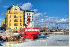 La nave rossa / The red ship (Fil.ippo) Tags: travel red panorama suomi finland landscape helsinki ship nave melt hdr filippo paesaggio finlandia rossa disgelo d5000 hdrtist