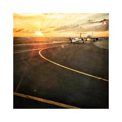 Sunrise Flight (ra1000) Tags: sunrise toronto pearson international airport