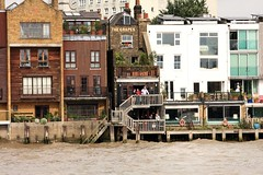 The Grapes (innpictime ζ♠♠ρﭐḉ†ﭐᶬ₹ Ȝ͏۞°ʖ) Tags: pub bar river riverside restaurant london thames waterside balconies 515075320035024 grapes limehouse sirianmckellen