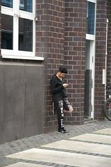 PICT0574 (hawkins65) Tags: emmerich rhein black schwarz mobiltelefon mediengeneration