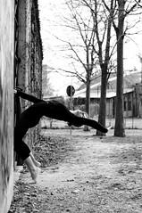 Lisa (Marco Gagliardi) Tags: park street bw ballet woman macro art feet ass beautiful leather female shoe dance nikon ballerina shoes dancing danza lisa dancer location teen skatepark gymnast e marco 28 mm nikkor 18 50 bianco nero slippers 60 tutu kk bellezza ballo gymnastic ragazza balletslippers udine balet ballerinas balett rizzi ballerine d90 balerina gagliardi baletki sb80 sb400 corpetto cvicky baletka sb700 baletky