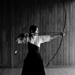 (comolebi*) Tags: portrait bw japanese blackwhite  archery
