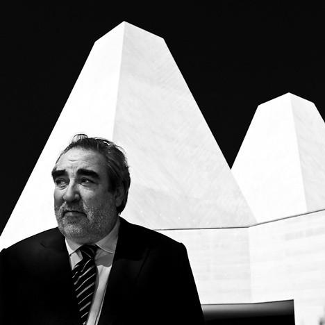 Dezeen_Eduardo_Souto_de_Moura_by_Francisco_Nogueira