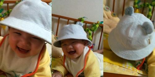 おかあさんに買ってもらった帽子をかぶって大はしゃぎなとらちゃん (4/1)