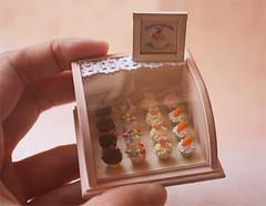 Dollhouse Miniature Cupcake Deli Case Workshop