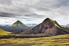 íllasúla (Smárinn) Tags: sky mountain canon iceland 50mm14 5d ísland landmanalaugar hálendi álftavatn hattfell mannfrotto íllasúla