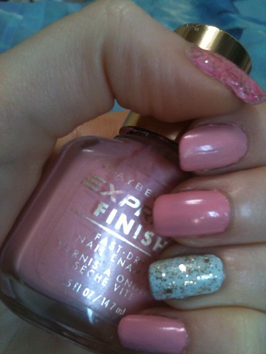 1st mani for On Wednesdays We Wear Pink by KitaRei