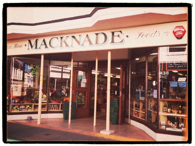 Macknades