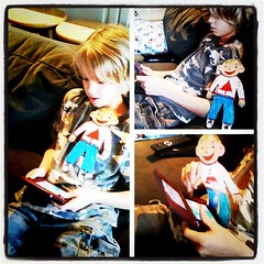 Flat Stanley playing DSi w Jackson