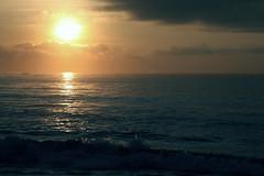 [フリー画像] 自然・風景, 海, 朝日・朝焼け・日の出, インド, 201104161900