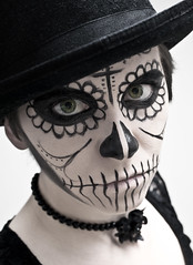 Day 1533 (evaxebra) Tags: las white black face hat rose de skeleton death eva paint cross top dia days muertos 365 facepaint calavera ewa xebra 365days evaxebra