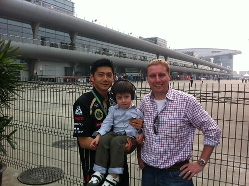 With F1 reserve driver Ho-Pin Tung and Scott at the back of the pit lane