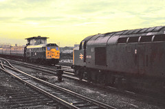 Doncaster 40025 up goods, Class 31 down ecs (17 coaches) Feb 79 C4315 (DavidWF2009) Tags: 40025 doncasterclass40
