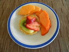 Postre y Papaya (knightbefore_99) Tags: food colour cake fruit postre mexico dessert yummy strawberry good papaya plate mexican oaxaca tropical huatulco