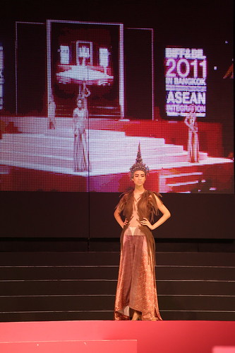 Creation from Kai leading Thai designer 1_re.jpg