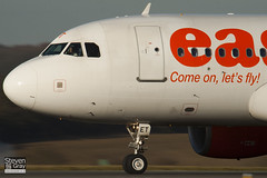 G-EZET - 2271 - Easyjet - Airbus A319-111 - Luton - 110208 - Steven Gray - IMG_9484
