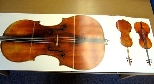 Antonius Stradivarius [editors, Jost Thöne & Jan Röhrmann ; text, Alessandra Barabaschi ... et al.]