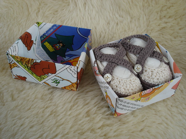 Little cotton shoes in their box