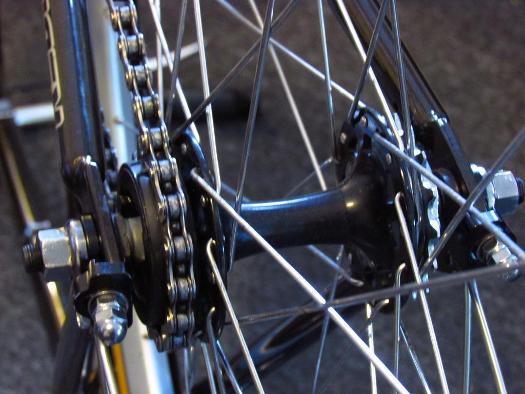 Removing rear wheel on fixed gear/single speed?!? - Bike Forums