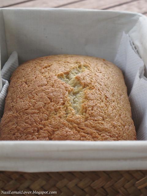 Spongy Banana Cake