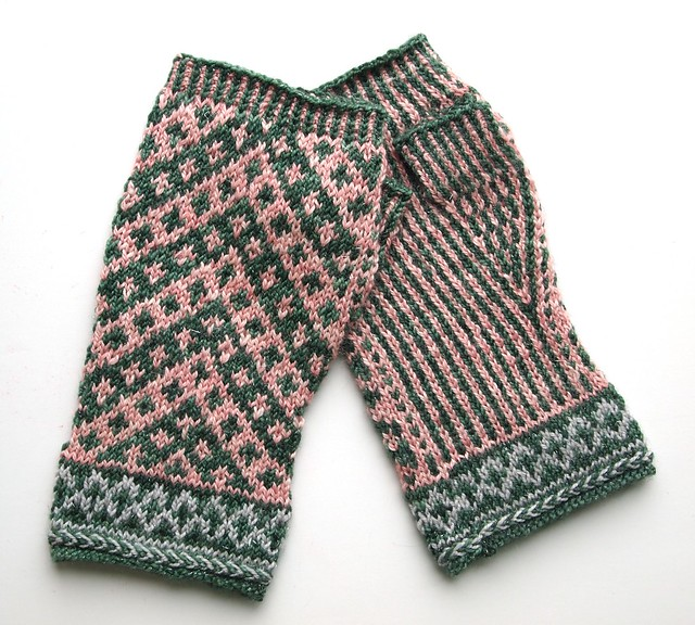 Vagabond fingerless mittens made with left over yarn