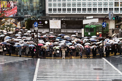 Shibuya crossing, Tokyo (by: Curt Smith, creative commons license)