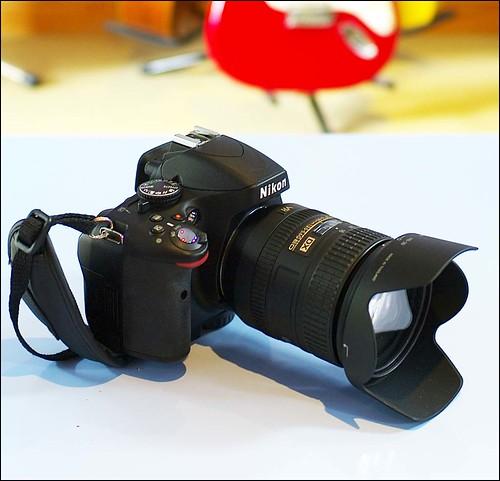 Nikon D5100 16-85mm