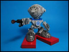 Belvedere the Bounty Hunter. (Karf Oohlu) Tags: lego moc mecha droid bot robot pistol raygun bigfoot bighead