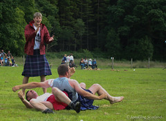 Backhold Wrestling (FotoFling Scotland) Tags: argyll event lochlomond scotland scottishwrestlingbond highlandgames kilt kilted luss lusshighlandgames wrestler wrestlingbond