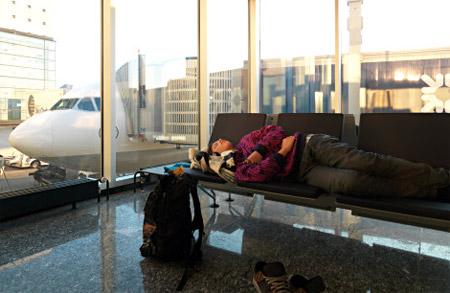 sleeping-layover-airport