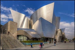 Walt Disney Concert Hall, Los Angeles (szeke) Tags: california city urban usa building art architecture buildings us losangeles unitedstates downtownla hdr waltdisneyconcerthall concerthall noiseware 2011 photomatix imagenomic