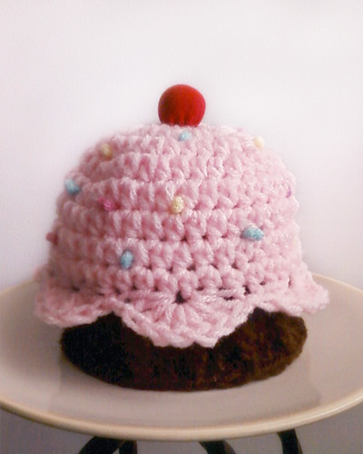 Newborn cupcake hat by Ladybugs & Bullfrogs