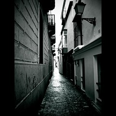 Calle de Castelar (Franci Esteban) Tags: street calle andaluca panasonic tarifa cascoantiguo stealingshadows fz28 cdgexplorer callecastela