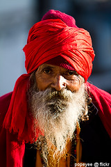 An Indian Portrait (Popeyee) Tags: old red portrait india man canon photo image indian picture holy hindu hinduism sadhu holyman beared sanyasi shadhu popeyee popeyeflickr