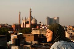 Sunrise in Delhi (QooL / بنت شمس الدين) Tags: travel india sunrise delhi hijab sp dome masjid minarets jamamasjid olddelhi qool