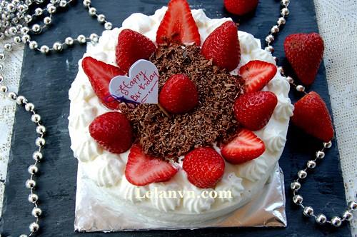 bánh kem sinh nhật trang trí đơn giản