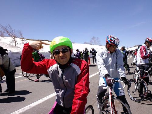 下山リーダーの証のヘルメットキャップ