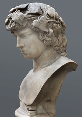 Antinous as Dionysos (left): British Museum (Roger B. Ulrich) Tags: britishmuseum hadrian antinous dionysos antinoos ivywreath inv1899