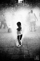 Monumento a la Revolución - 22/04/2011 - 02 (HippolyteBayard) Tags: canon mexico agua fuente unam sombras ciudaddemexico semanasanta distritofederal monumentoalarevolución juancarlosmejiarosas perrarabiosa escuelanacionaldeartesplásticas
