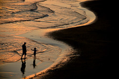 (Fran-cesca) Tags: sunset sea tramonto mare father son past memoria passato sperlonga ricordo padreefiglio exprofer