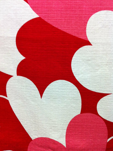 Red/white/pink hearts textured cotton by armywifeontheprairie